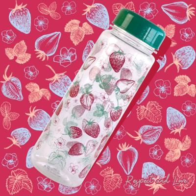 """Бутылочка для воды """"Summer Bottle"""", клубничка. Больше фото фото в интернет-магазине подарков podario.com"""