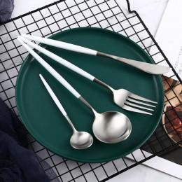 Набор столовых приборов в футляре, 2 ложки, вилка, нож, серебро и белый