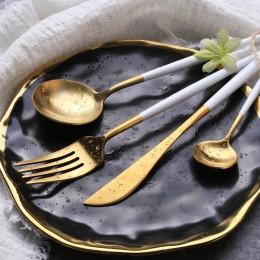 Набор столовых приборов в футляре, 2 ложки, вилка, нож, золото и белый