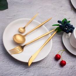 Набор столовых приборов в футляре, 2 ложки, вилка, нож, золотой